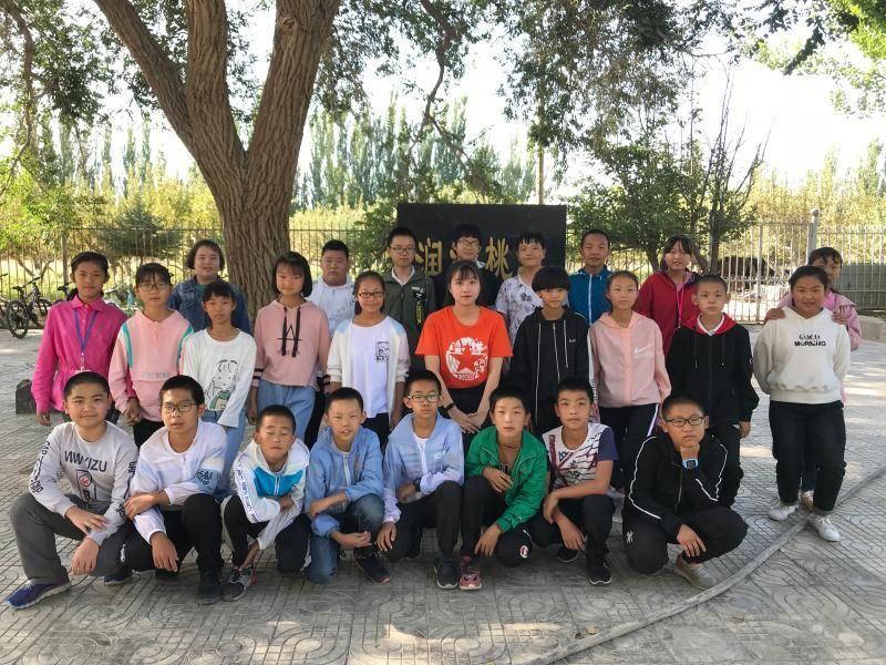 """十年间,把梦想留在沙漠……300多名上海大学生的""""毕业选择"""""""