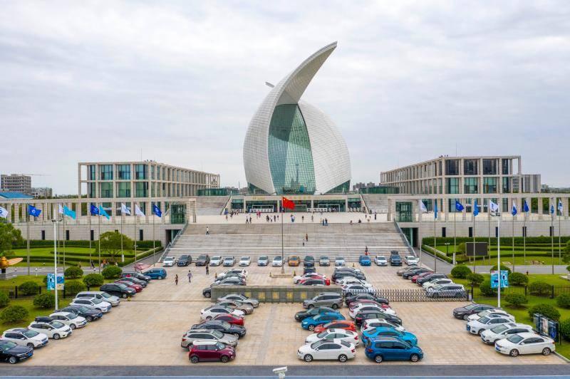 全球最大室内滑雪场、全球最大天文馆,都将在上海这个区域亮相