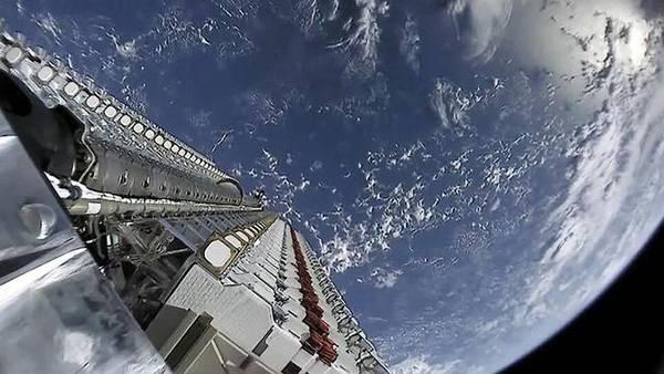 """美陆军同SpaceX签协议,评估""""星链""""卫星军事"""