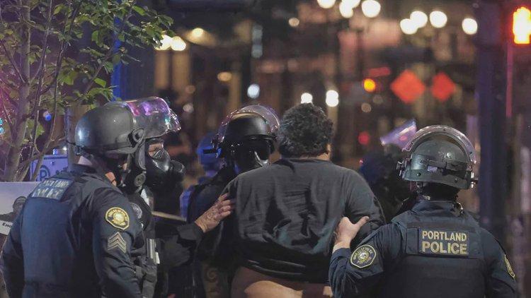 一夜之间,数百人被捕!华盛顿正部署军队……