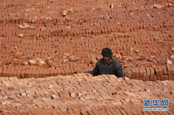 疫情下的尼泊尔红砖厂[组图]