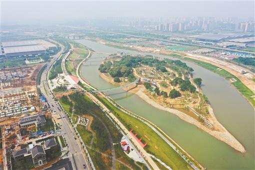 浏阳河畔添新景