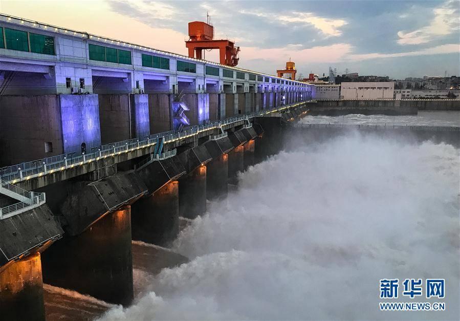 (新华视界)(2)葛洲坝水利枢纽泄洪