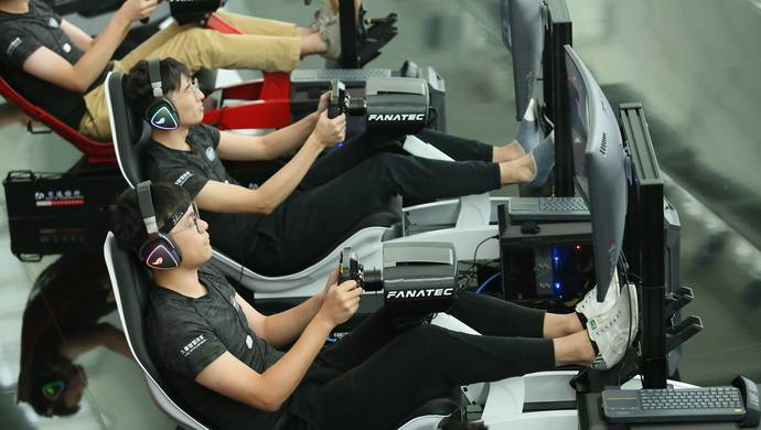 "F1车手弯道超车时啥感觉?这项技术让你看比赛时能""感同身受"""