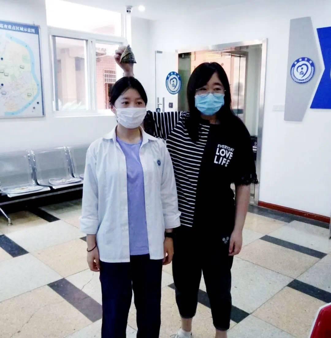 """暖心!杨浦区救助站的""""女儿""""今天参加高考啦"""