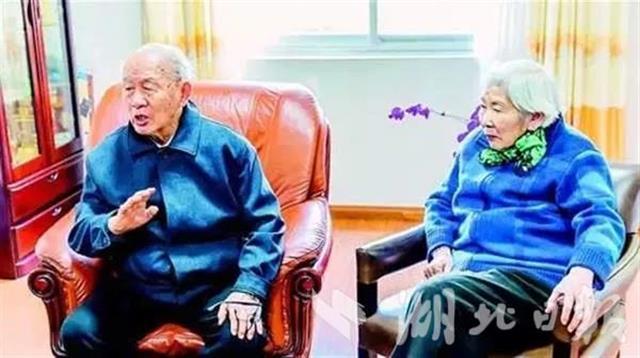 華中大鋼鐵院士夫婦再捐400萬助新生