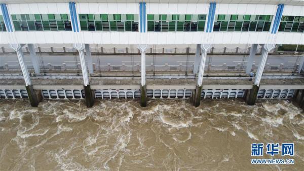 淮河王家壩閘關閘 蒙洼蓄洪區進洪量約3.75