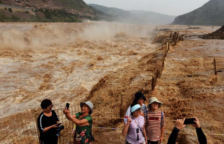 央视新闻 每秒流量超2700立方米,黄河壶口瀑布现入汛以来最大流量