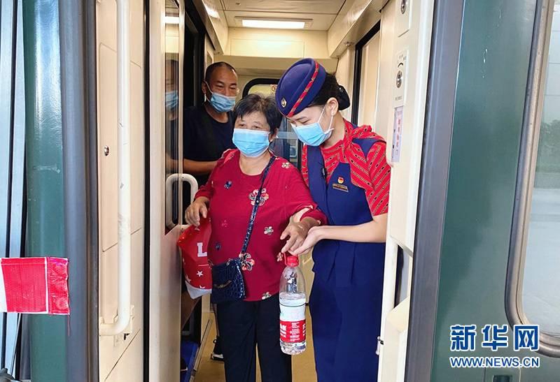 沪汉直达普速全列卧铺列车Z25/6重启