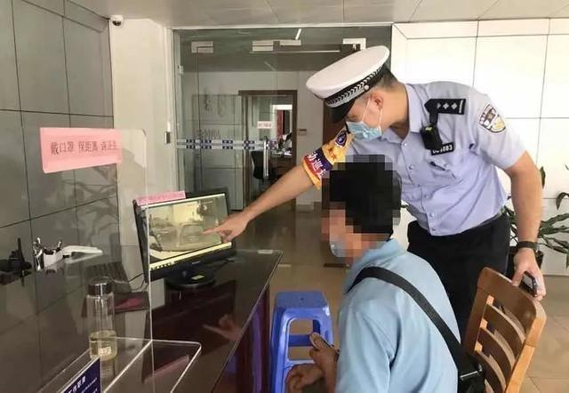 春城晚报|不礼让救护车被开罚单,给市民上了一课