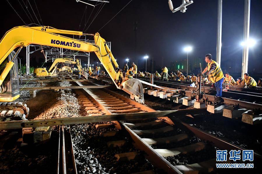 《【杏耀手机版登录】合安高铁施工进入最后冲刺阶段》