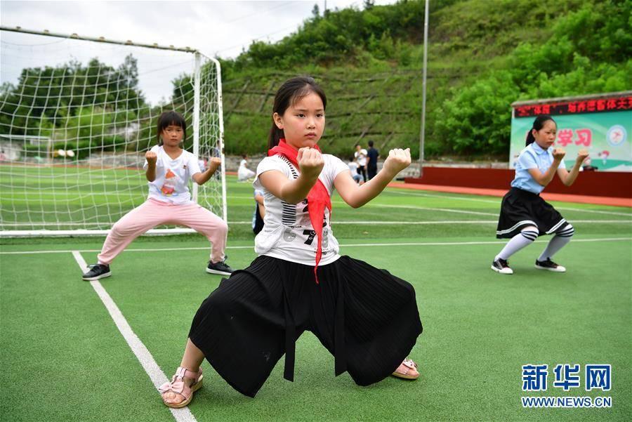 (走向我们的小康生活)(4)陕南地区:搬迁社区 生活多彩
