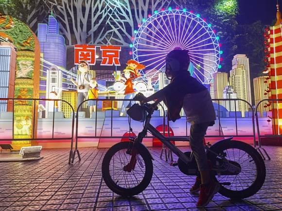 """4大城市灯景在世纪公园""""点亮""""登场 持续至10月11日,免费面向市民游客开放"""