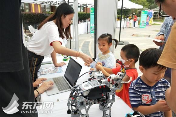 """当安徒生童话遇见机器人,这个""""科普集市""""硬核又好玩"""