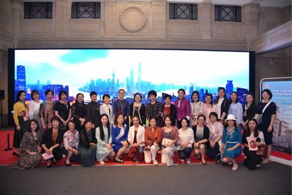 讲述上海故事,市三八红旗手走进上海市历史博物馆