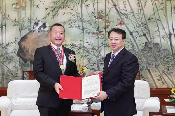 """11位外籍人士获2020年上海市""""白玉兰荣誉奖""""、""""上海市荣誉市民""""称号"""