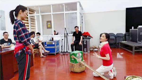 三个徒弟三台戏!华雯率宝山沪剧团启动系统传承工程