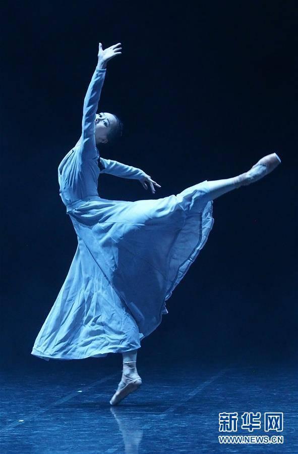 (文化)(6)现代芭蕾作品《绽放》在沪演出