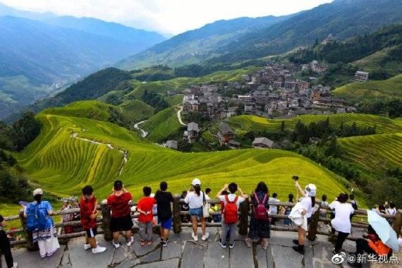 《【杏耀平台手机版登陆】八天长假全国接待国内游客6.37亿人,同比恢复79.0%》