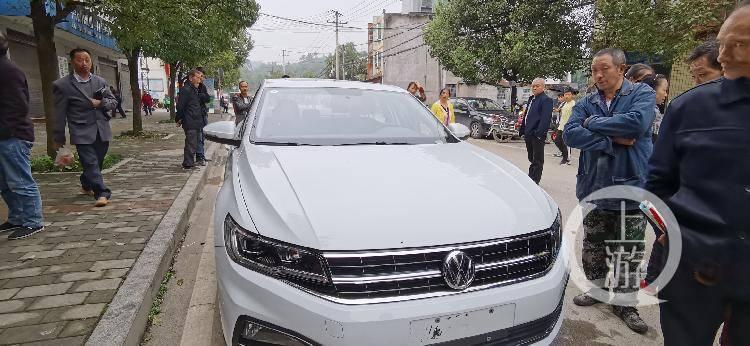 手机店10部手机5000元现金被盗 警方顺藤摸瓜还找回两辆轿车