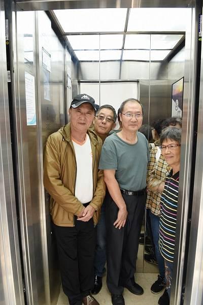 """华阴路临街老楼加装电梯用上""""十八般武艺"""""""