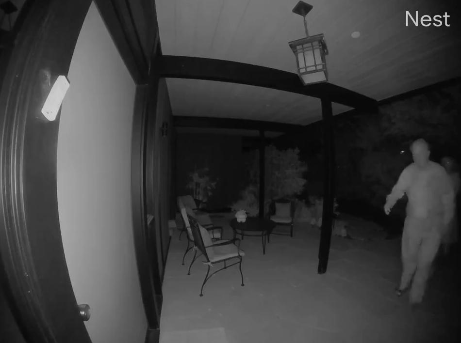 咚咚咚咚!凌晨两点,邻居老头穿着睡衣突然敲门...结果你一定想不到!