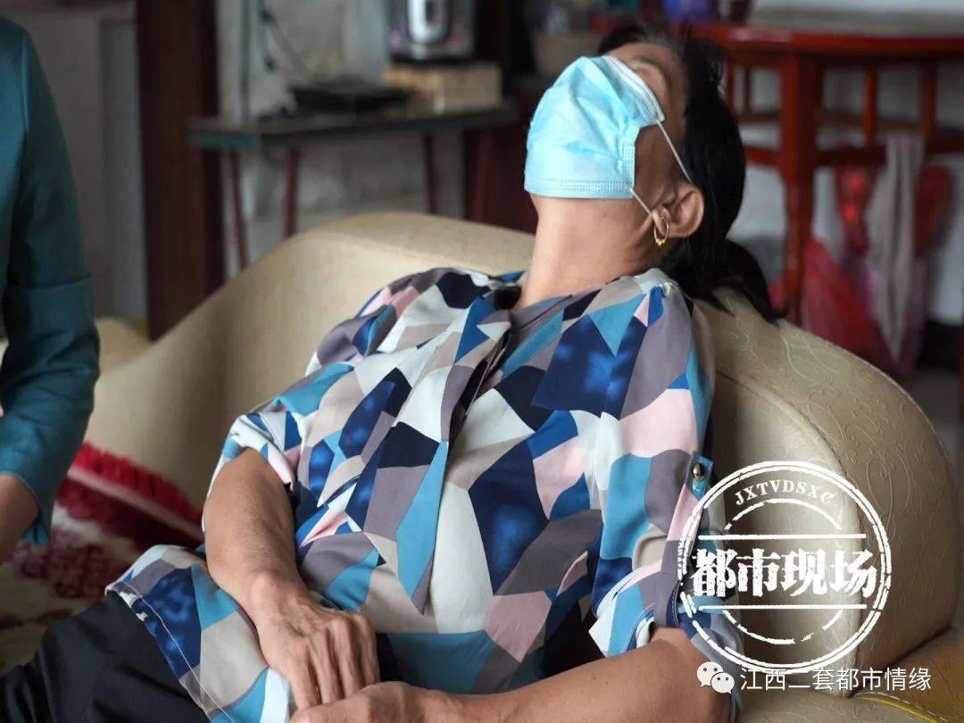 """靳东工作室回应""""六旬女子与之恋爱"""":非本人,将起诉假冒者"""
