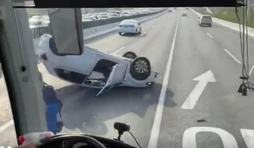 上海中环外圈沪太路段发生4车事故 一度拥堵数公里