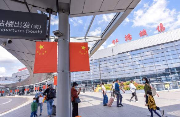 《【杏耀手机版登录】冬春航班开启!上海虹桥机场国内航班创新高 浦东机场航班恢复9成以上》