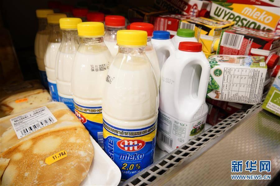 """(国际)(1)出口中国""""备战""""双十一的波兰牛奶"""