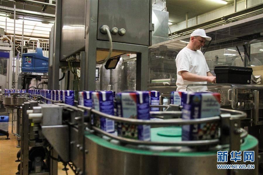"""(国际)(9)出口中国""""备战""""双十一的波兰牛奶"""