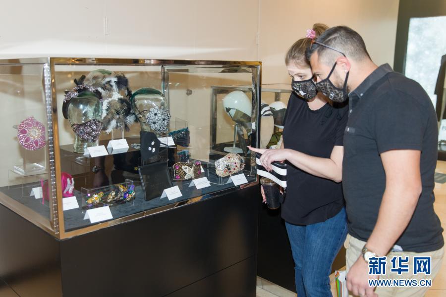 美國達拉斯舉辦口罩時尚展覽