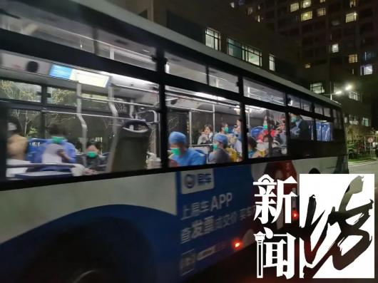 一张照片刷屏!很多人正全力守护上海