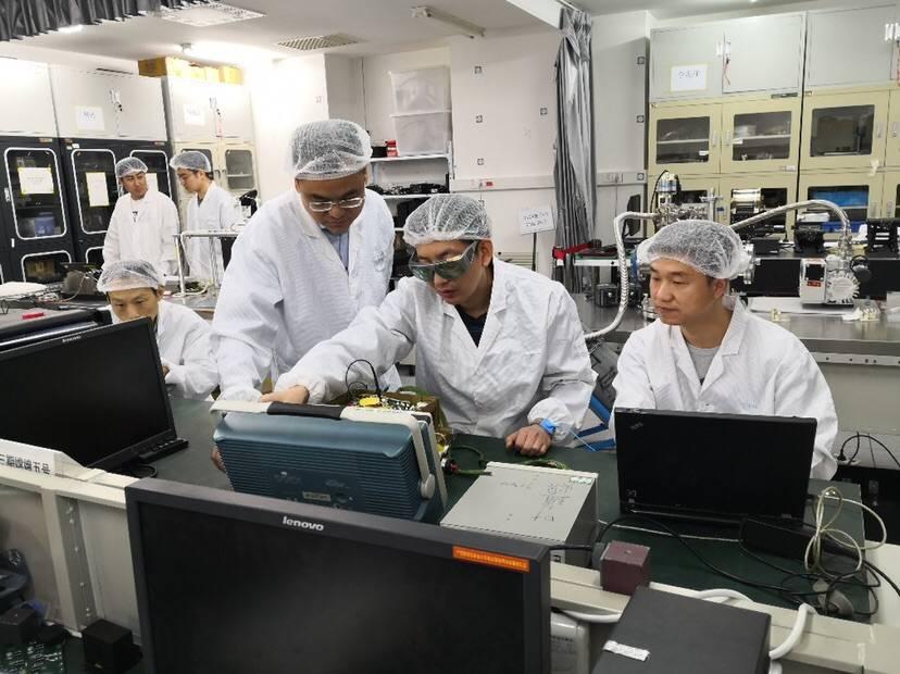 """上海科研成果结成""""5朵金花""""助力嫦娥5号""""奔月"""""""