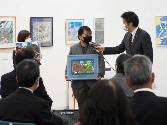 跨越大海的星光 冈山上海残障人士绘画交流展开幕