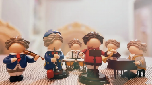 猪加角、复兴猫、胖萌贝多芬……魔都文创新品好有趣