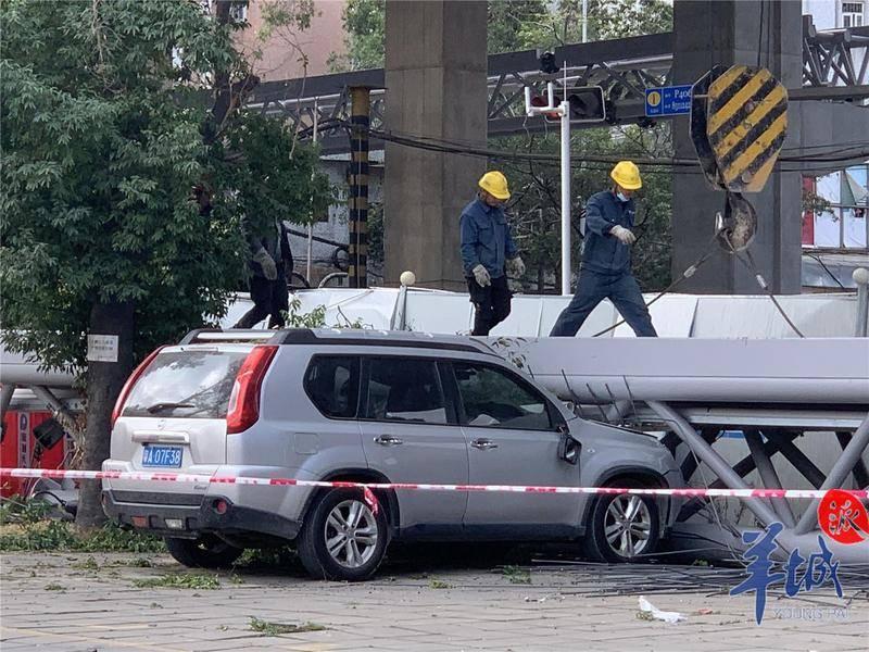 《【杏耀平台登录入口】广州洛溪大桥滑落事件致3车受损:未造成伤亡,已成立技术专家组》