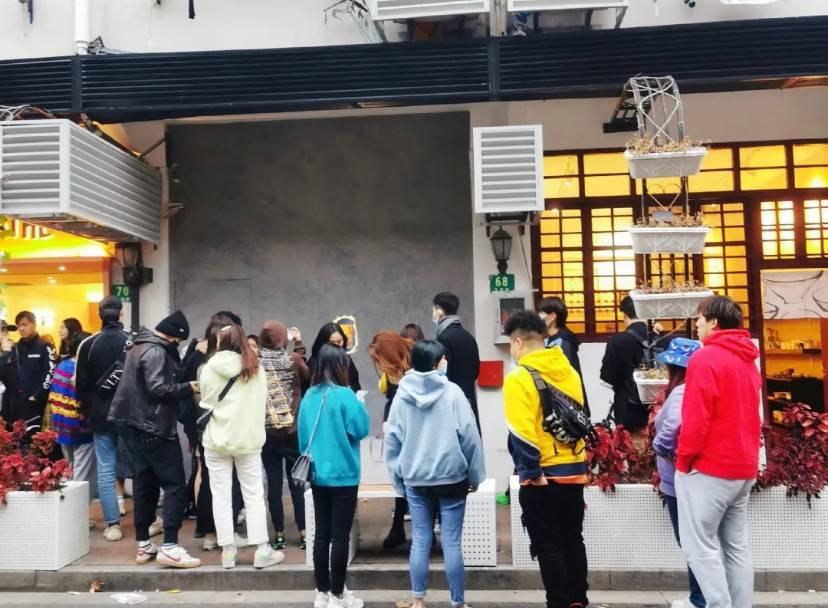"""上海网红""""熊爪咖啡""""爆火后续:因这个原因监管部门督促其整改"""