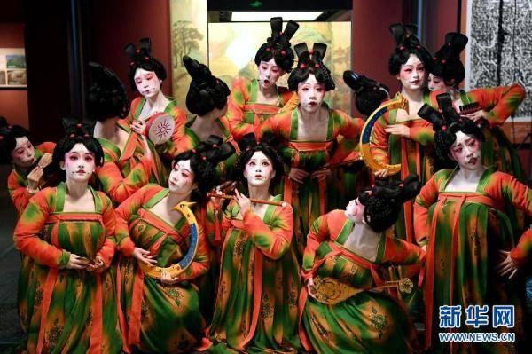 摩登5娱乐2021年河南春晚上,舞蹈节目《唐宫夜宴》火遍网络,受到众多网友赞誉(图1)