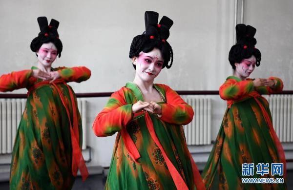 摩登5娱乐2021年河南春晚上,舞蹈节目《唐宫夜宴》火遍网络,受到众多网友赞誉(图6)
