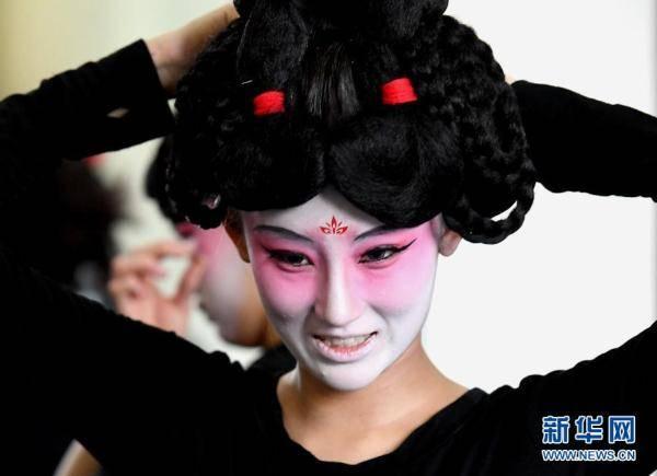 摩登5娱乐2021年河南春晚上,舞蹈节目《唐宫夜宴》火遍网络,受到众多网友赞誉(图11)