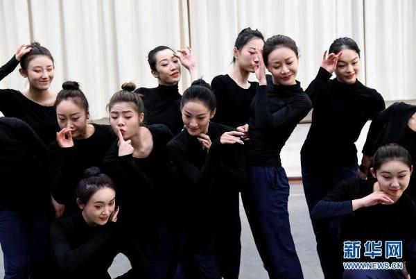 摩登5娱乐2021年河南春晚上,舞蹈节目《唐宫夜宴》火遍网络,受到众多网友赞誉(图13)
