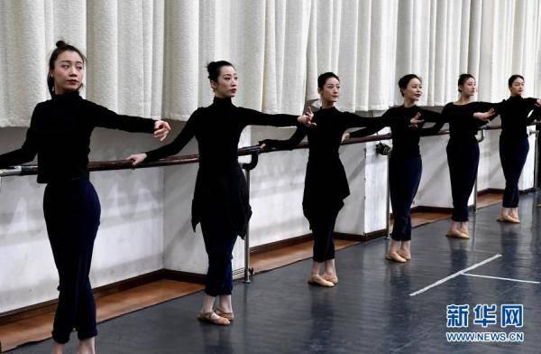 摩登5娱乐2021年河南春晚上,舞蹈节目《唐宫夜宴》火遍网络,受到众多网友赞誉(图14)