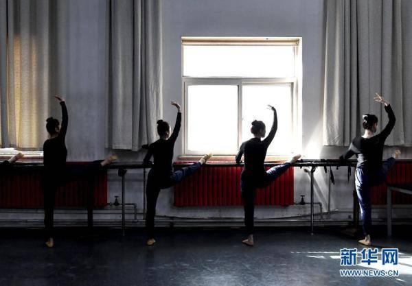 摩登5娱乐2021年河南春晚上,舞蹈节目《唐宫夜宴》火遍网络,受到众多网友赞誉(图15)