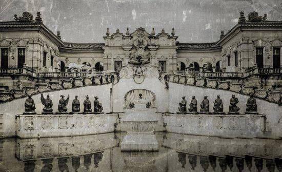摩登5平台去年12月1日,马首铜像正式回归圆明园,成为第一件回归圆明园的流失海外重要文物(图10)