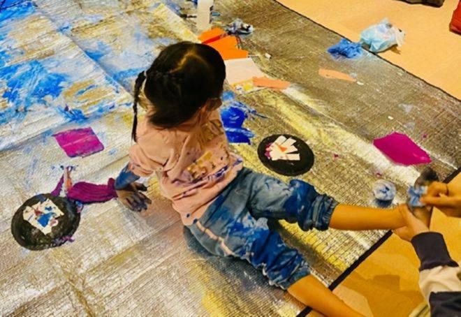 """摩登5注册""""艺术家的诞生就是家里不能怕脏""""(图2)"""