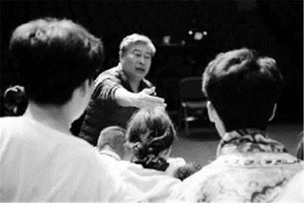 盛图登录五年前,胡宗琪导演根据陈忠实获茅盾文学奖小说改编的陕西人艺版《白鹿原》横空出世、一鸣惊人,演遍大江南北(图2)