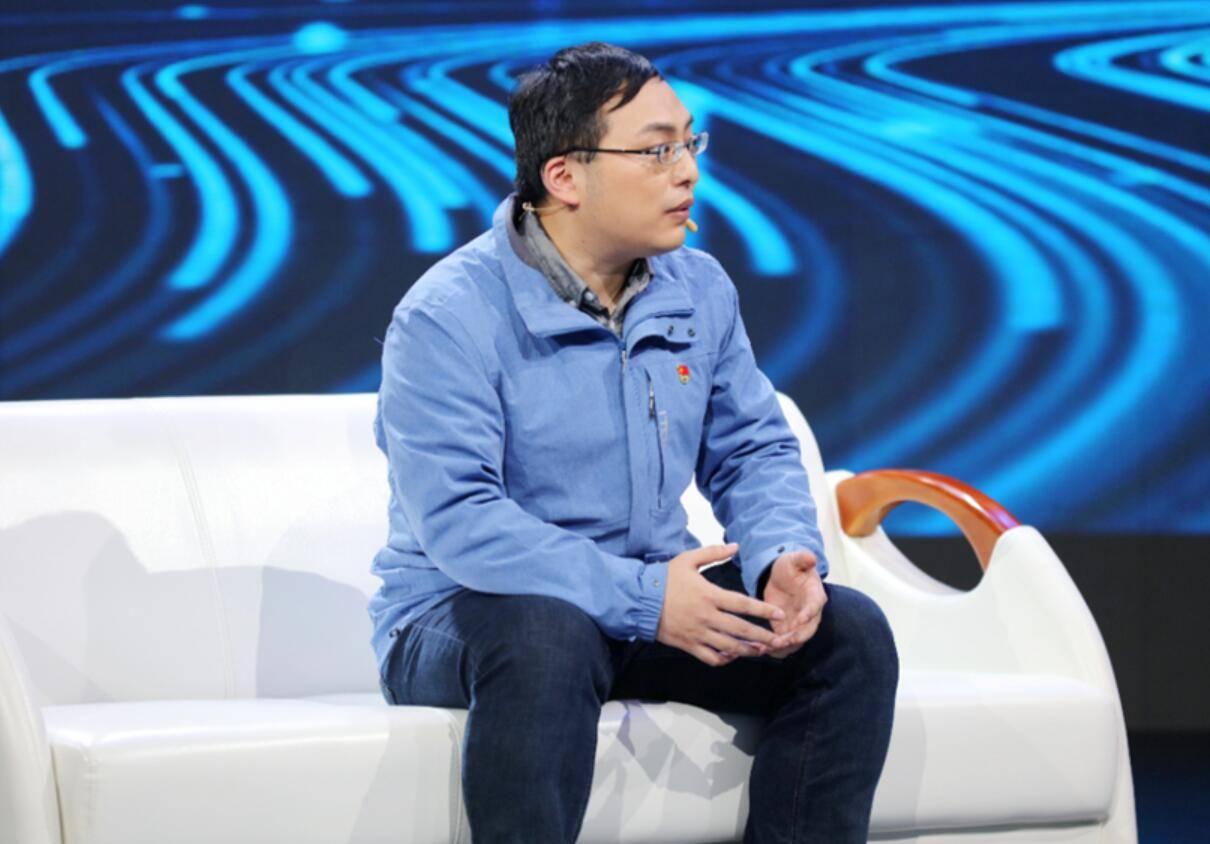 星辉注册山东卫视《传家宝里的新中国》第二季节目《我们的新时代》