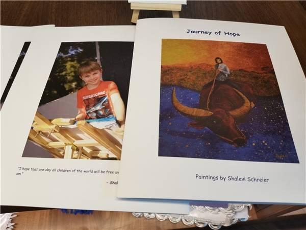 以爱之名  以色列小画家用画笔义助残疾儿童