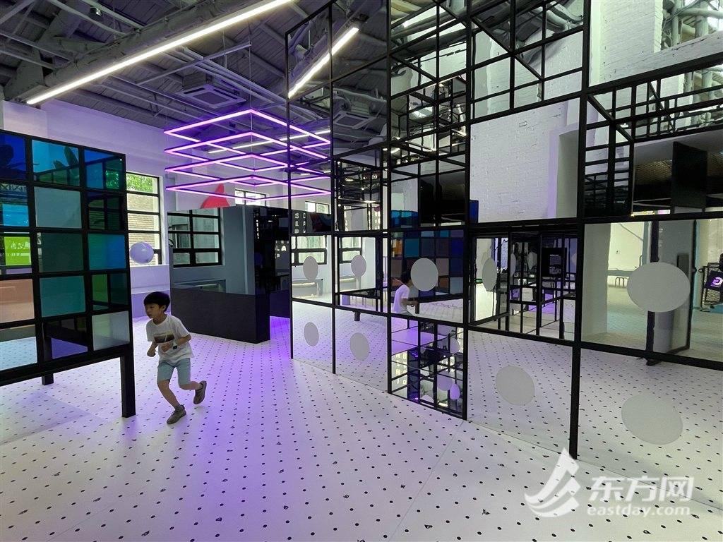 透过玻璃看大千世界 上海最酷儿童博物馆升级归来